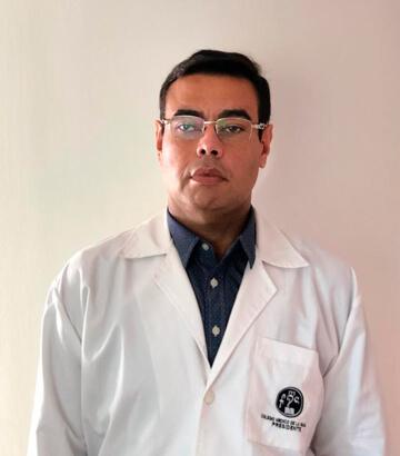 Dr. Juan Carlos Freyle